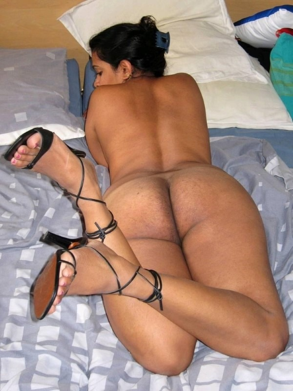 Ass show of slutty aunties and girls 48
