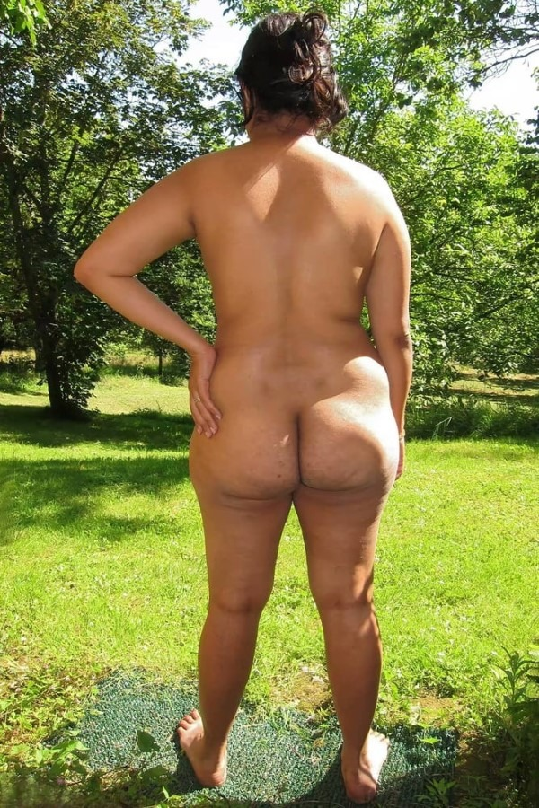 Ass show of slutty aunties and girls 50