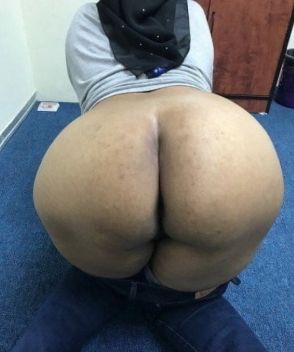 Ass show of slutty aunties and girls 6