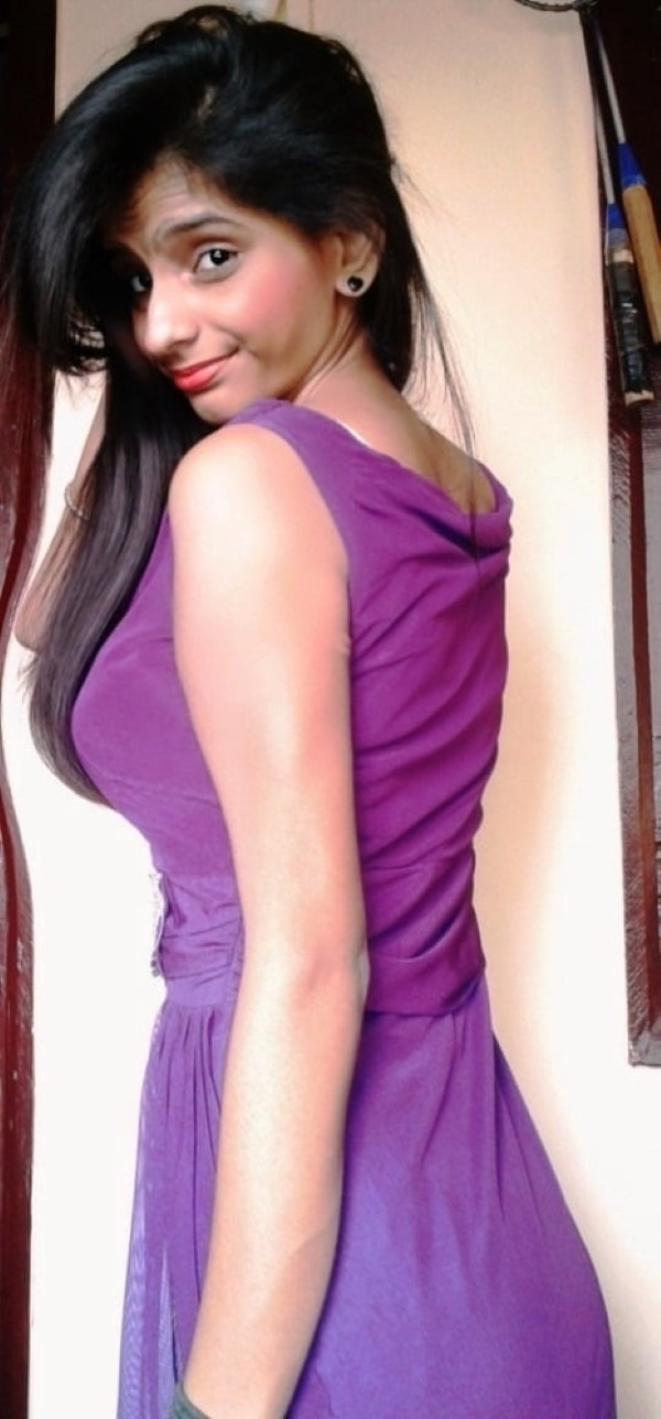 Skinny figured sexy Indian girls pics 2