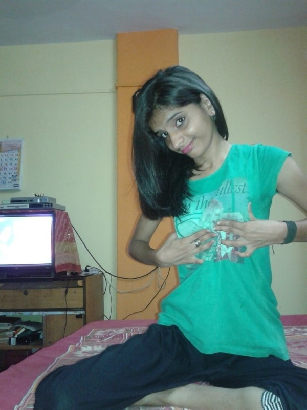 Skinny figured sexy Indian girls pics 37