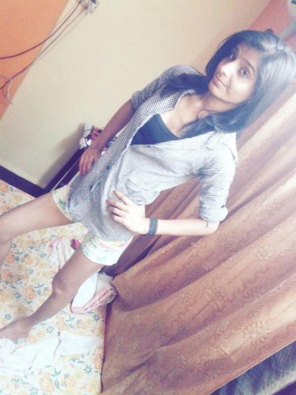Skinny figured sexy Indian girls pics 39