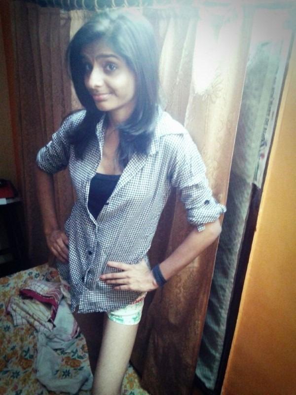 Skinny figured sexy Indian girls pics 40