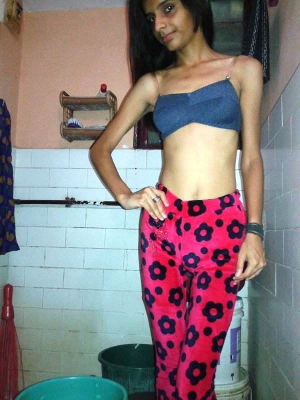 Skinny figured sexy Indian girls pics 6