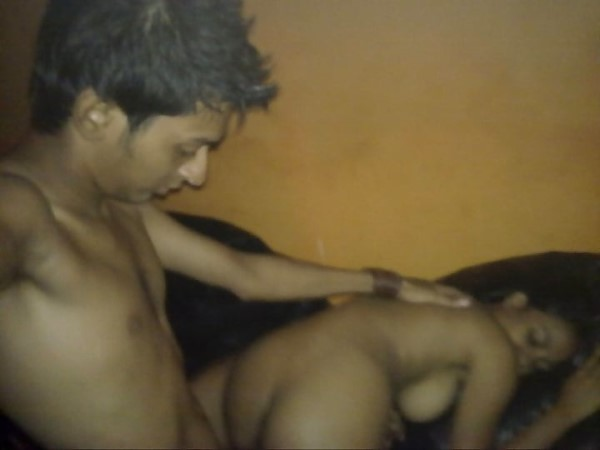 Horny guy fucking Indian girl