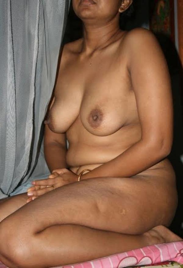 Desi bhabhis naked body pics 12