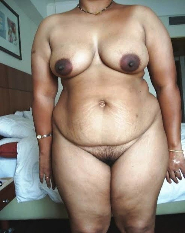 Desi bhabhis naked body pics 37