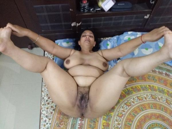 Desi bhabhis naked body pics 45