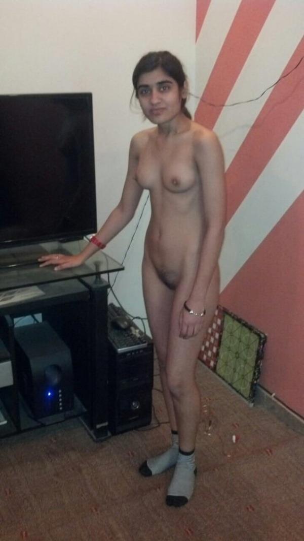 Desi virgin girls sexy boob show 19