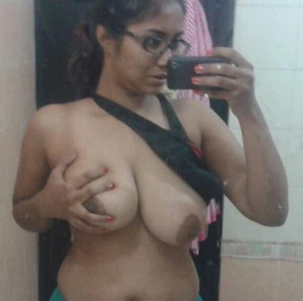 Desi virgin girls sexy boob show 6