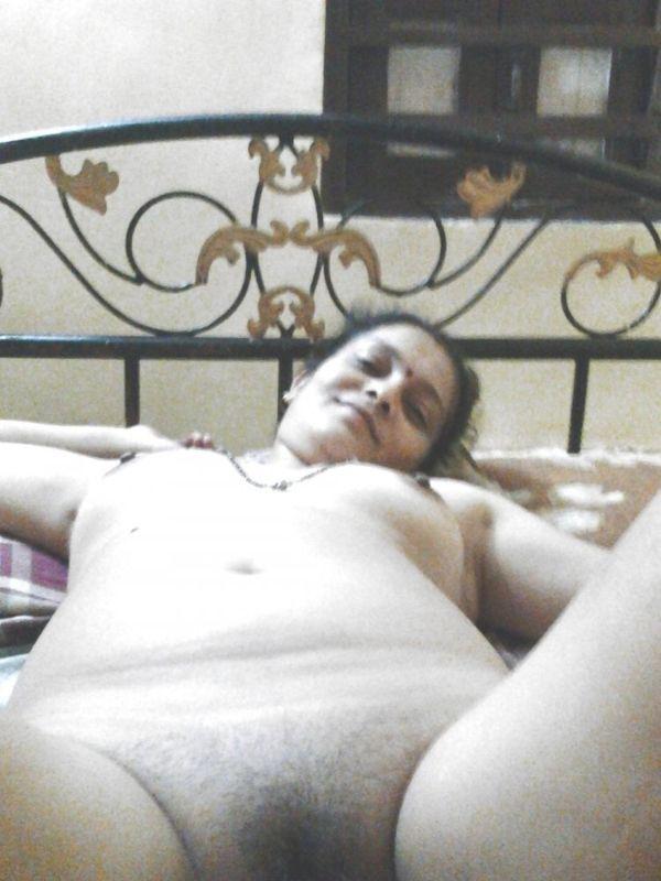 Indian village sluts exposing nude body 23