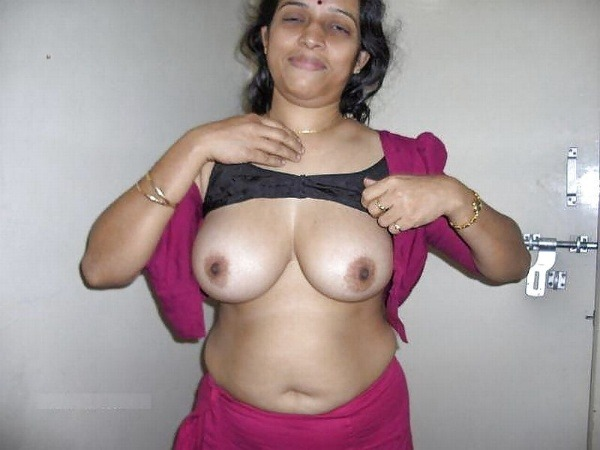 Married Indian sluts exposing boobs and hairy pussy 11