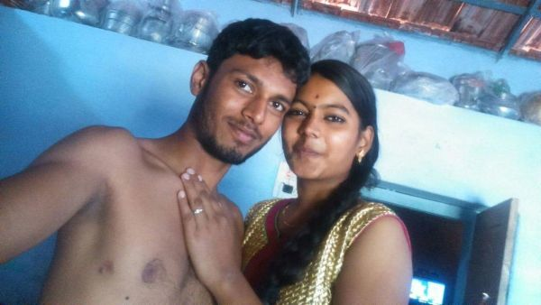 Sexy Indian couples nude pics 1
