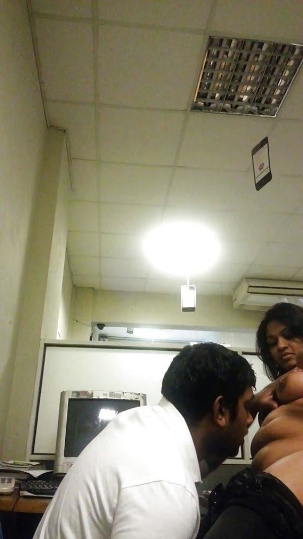 Sexy Indian couples nude pics 31