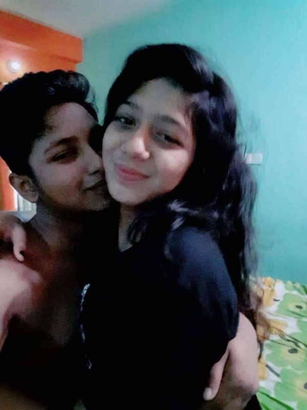 Sexy Indian couples nude pics 32