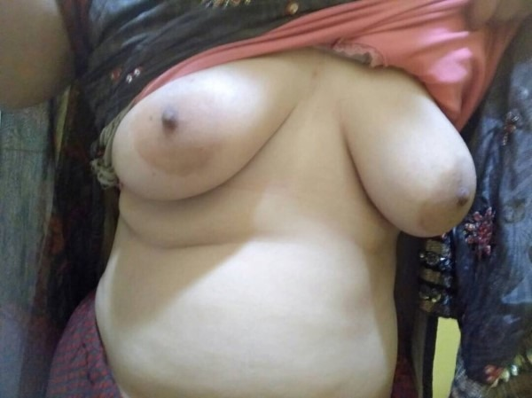 South Indian mallu aunties in one gallery 10