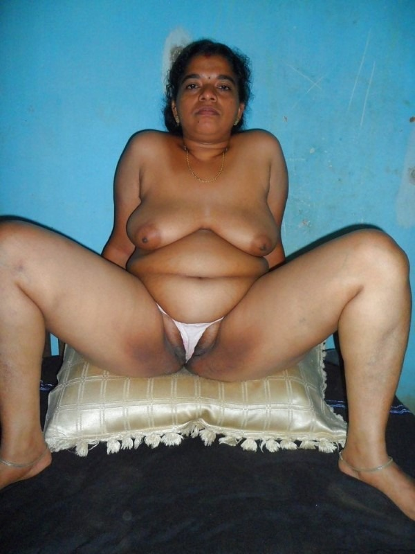 South Indian mallu aunties in one gallery 39