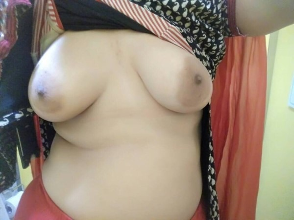 South Indian mallu aunties in one gallery 8
