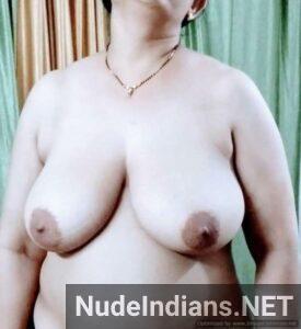 bade chucho wali nangi aunty min