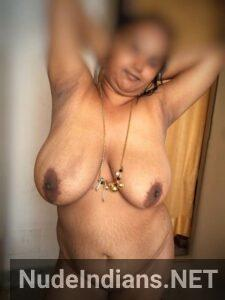 housewife showing boobs to lover min