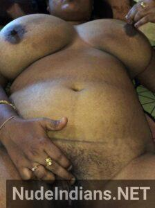 kali marathi lady aunty boobs chut min