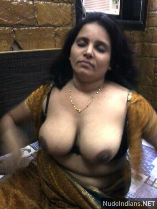 daring indian bhabhi xxx pics - 42