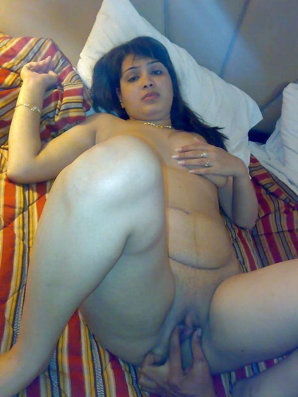 desi bhabhi nude pussy gallery - 34