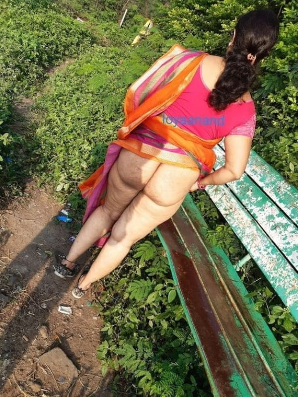 desi mature aunties showing big ass and pussy - 35