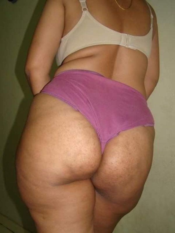 desi mature aunties showing big ass and pussy - 36