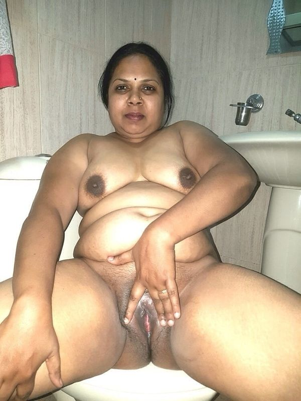 indian chubby nude aunties pics - 21