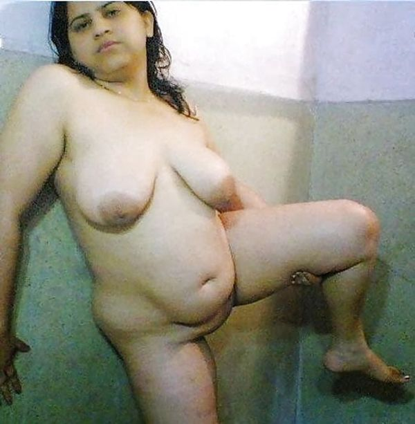 indian chubby nude aunties pics - 4