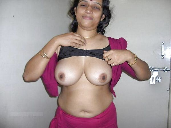 indian chubby nude aunties pics - 7