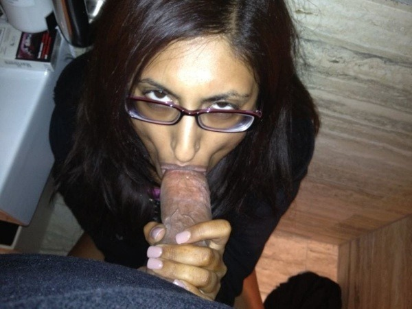 indian girls best blowjob gallery - 9