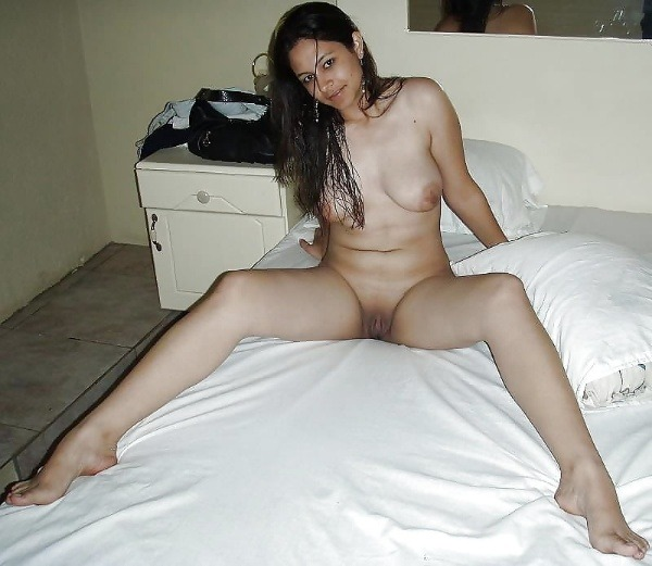 indian ladies natural tits gallery - 23
