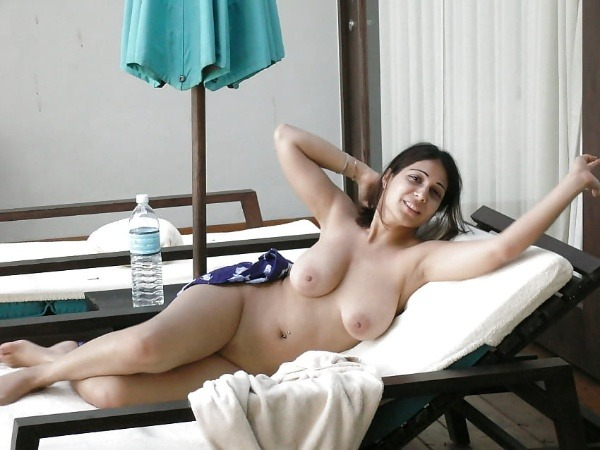 indian ladies natural tits gallery - 28