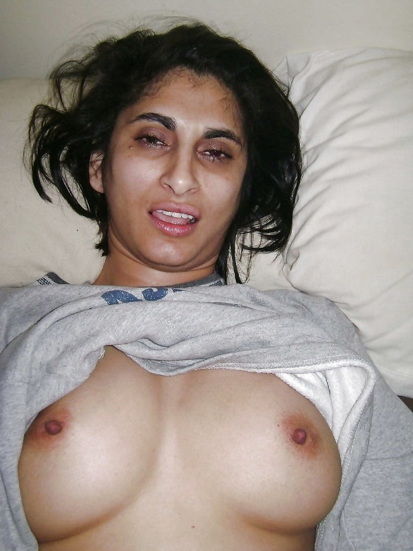 indian ladies natural tits gallery - 30