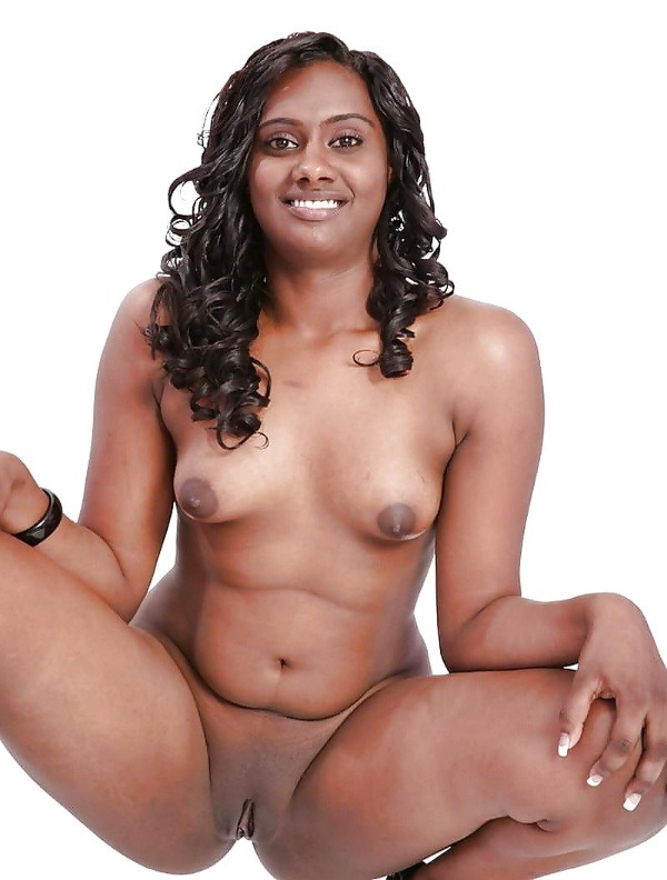 indian ladies natural tits gallery - 4