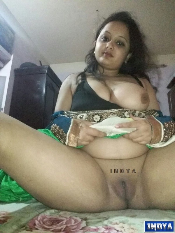 naked indian girl chut gallery - 6