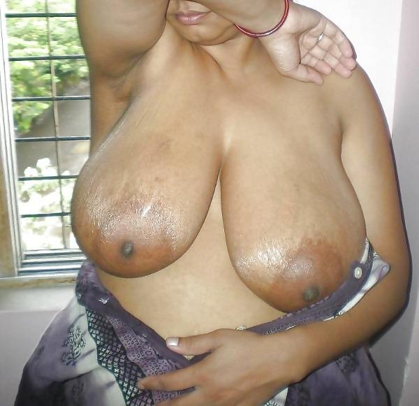 provocative big indian boobs pics - 26