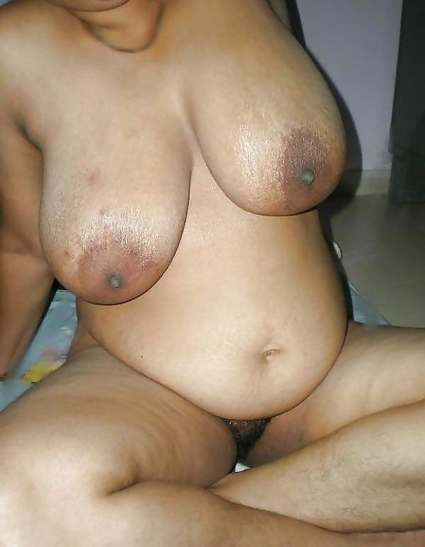 provocative big indian boobs pics - 29