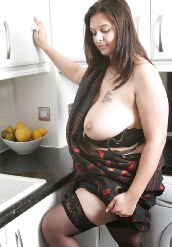 provocative big indian boobs pics - 3