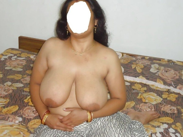 provocative big indian boobs pics - 48