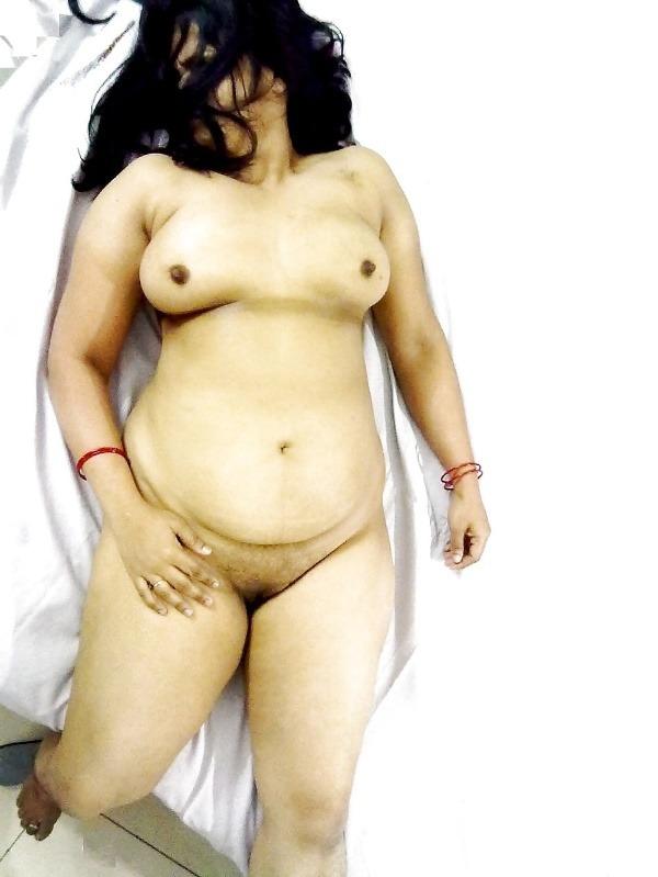 provocative big indian boobs pics - 49