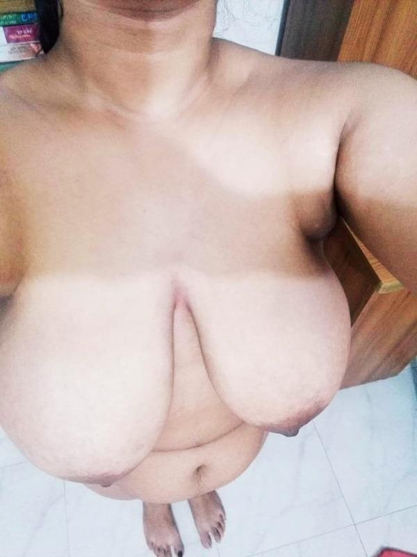 provocative big indian boobs pics - 50
