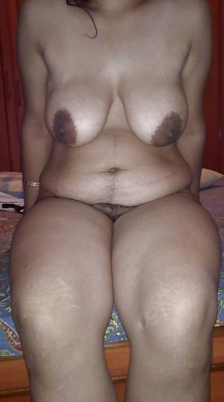 seducing mallu nude xxx gallery - 1