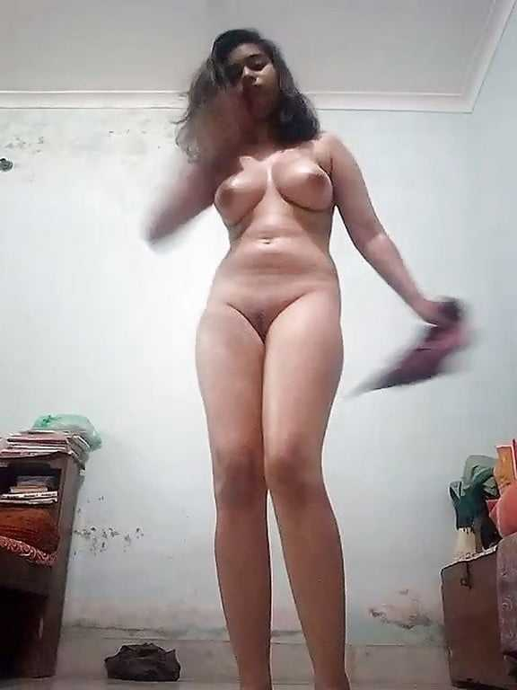 sexy b town girl nude pussy selfie