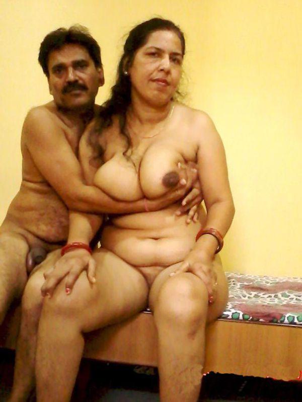 vibrant village aunty nude pics - 30