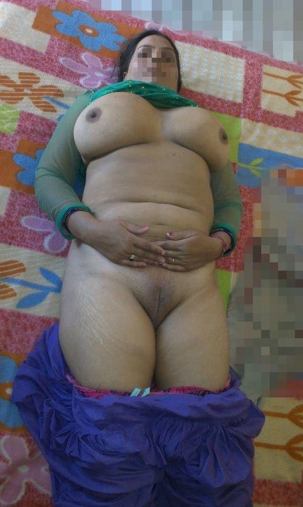 vibrant village aunty nude pics - 44