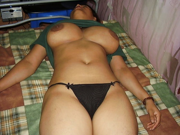 village mature aunties nude pics - 3