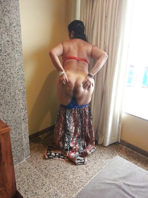 curvy hot nude aunty pics - 9